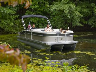 Woofin' It – Boating with your dog